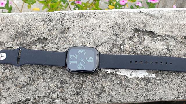 Pebble-Cosmos-smartwatch